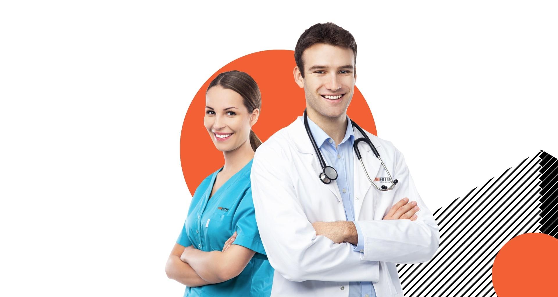Pessoas usando uniforme hospitalar com a logo da Unifatto