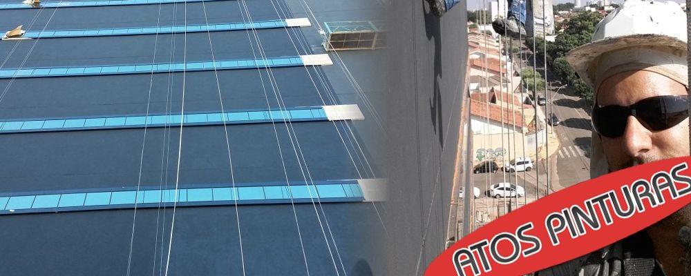 Calafetação de janelas e juntas de prédio