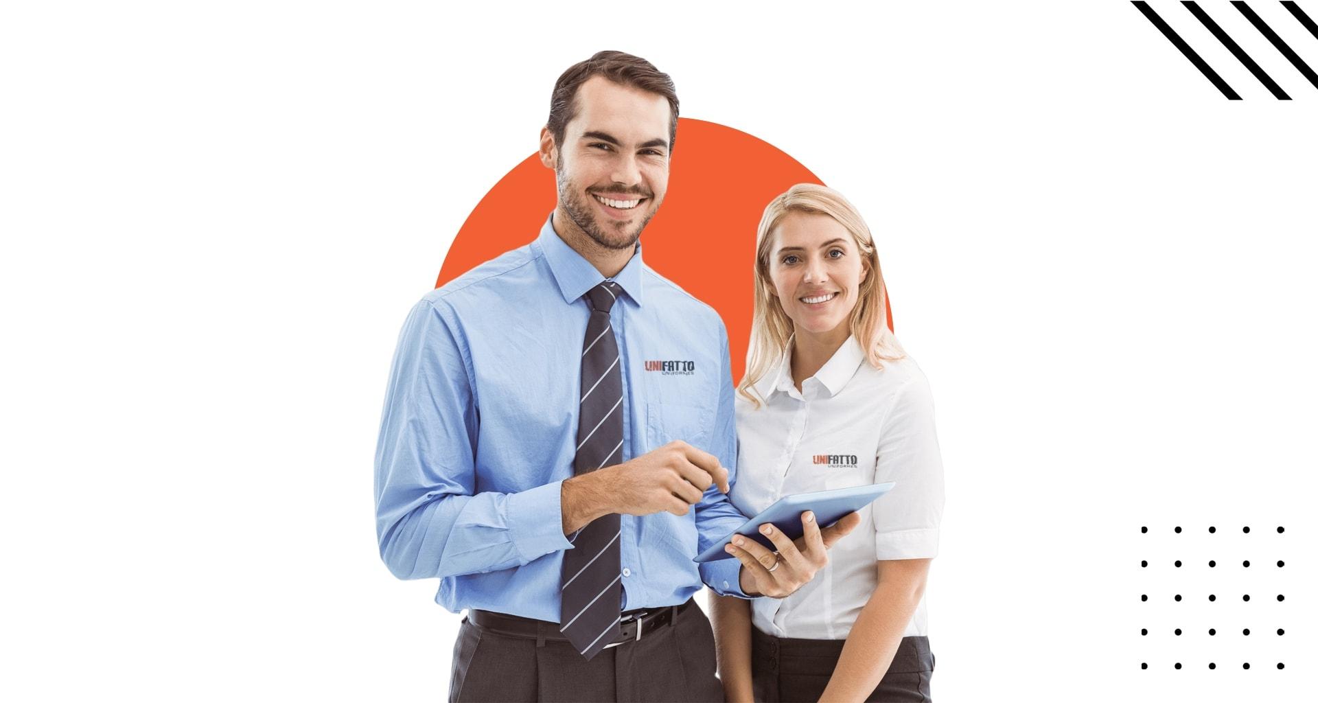 Pessoas usando camisas sociais com a logo da Unifatto