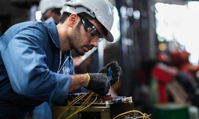 Imagem Engenheiros e Arquitetos em Obra - Gigante Camargo Construções
